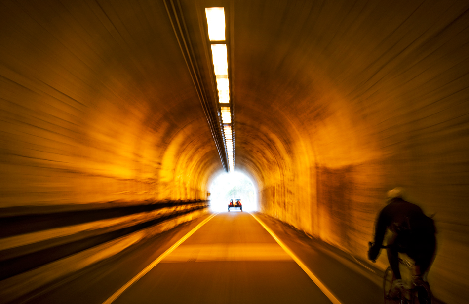20080731120307_bike_tunnel.jpg
